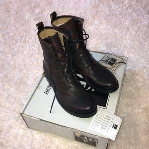 Frye Veronica lace up combat boot 8.5 dark brown